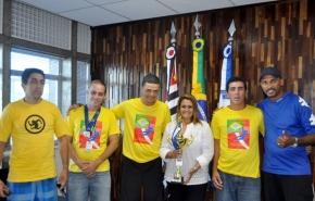 Ana-e-esquipe-Paraolimpicos